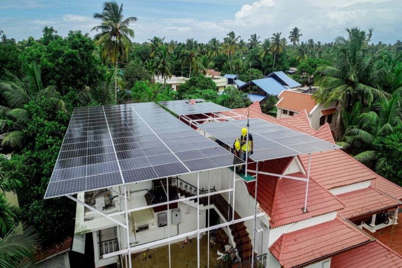 How Many Solar Panels Do You Need To Power Your House?